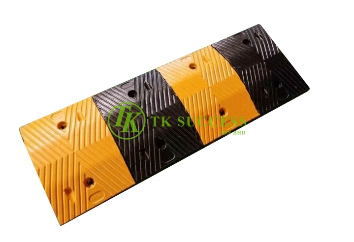 Rubber Speed Road Hump 1 Meter