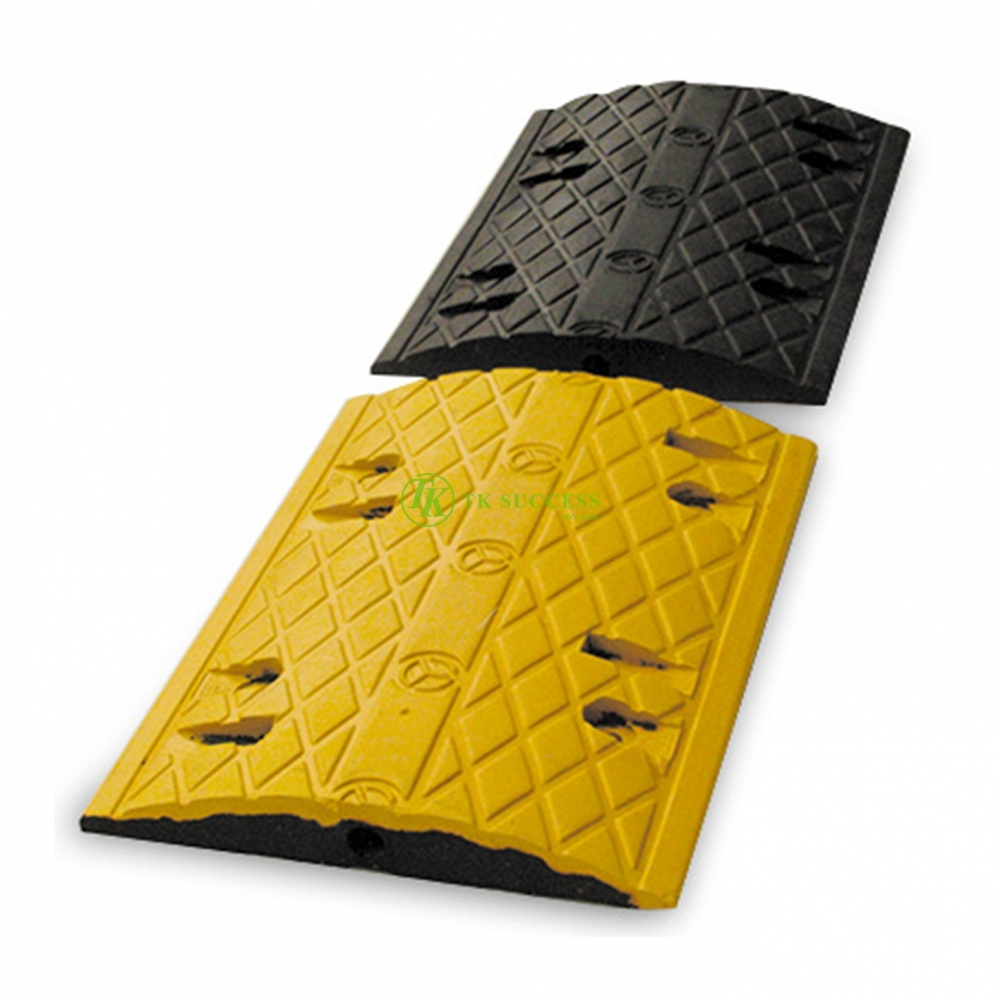 Rubber Speed Hump 500mm