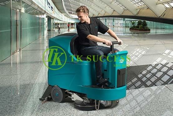 TVX Ride On Auto Scrubber T130 X-Large Heavy Duty (Europe)